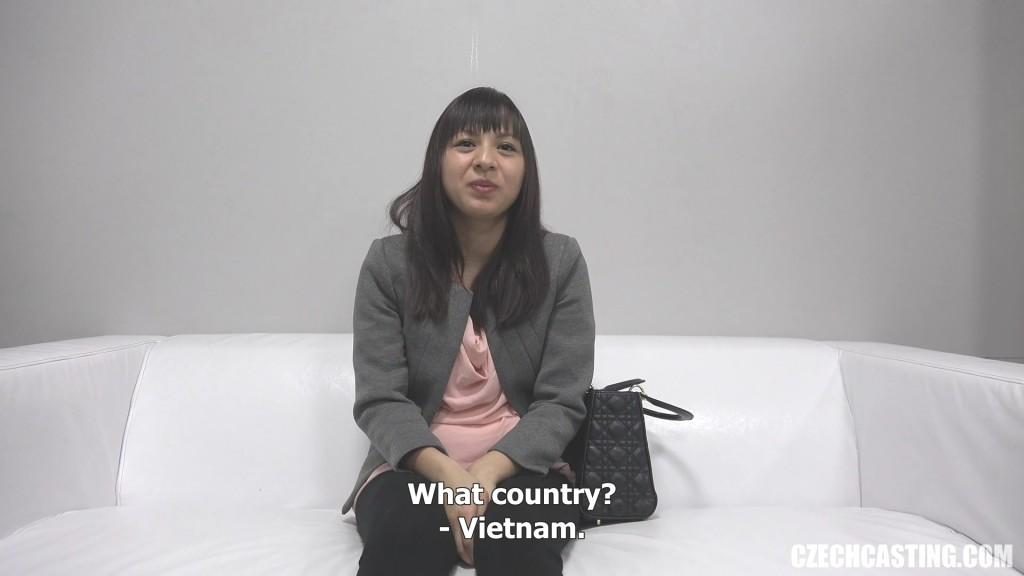 Сучка из Вьетнама на кастинге