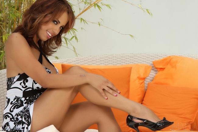 Mulani Rivera устроила стриптиз секс-фото