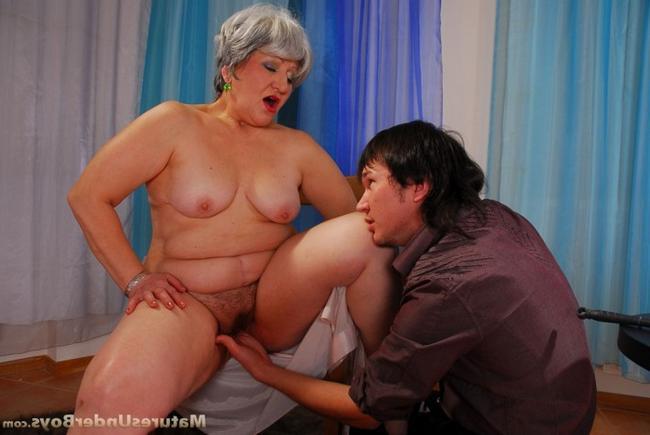 Толстая мать и сын порно фото